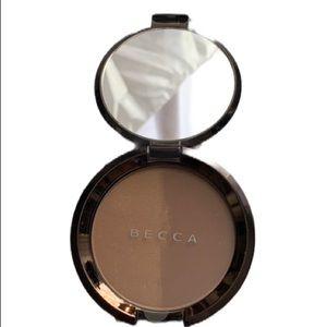 NEW BECCA Shadow & Light Bronze/Contour Perfector
